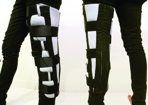 "Knee ""immobilizer"""